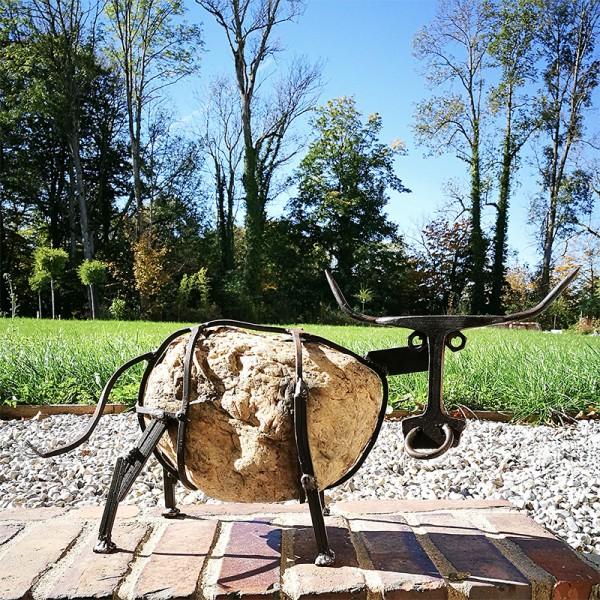 MARISL - Kuh aus Flussstein und Stahl