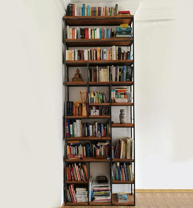 Bücherregal nach Mass Industrial Holz und Metall
