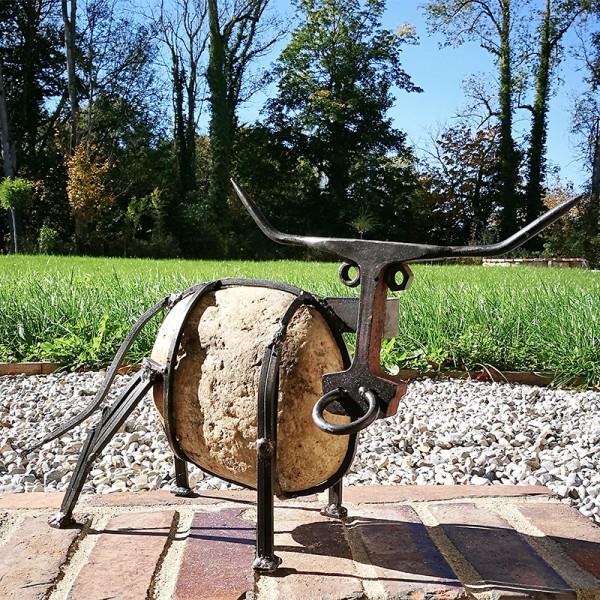 BÄPPI - Stier aus Flussstein und Stahl
