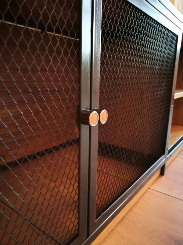Media Möbel Industry Style aus Holz und Metall mit Gittertüren