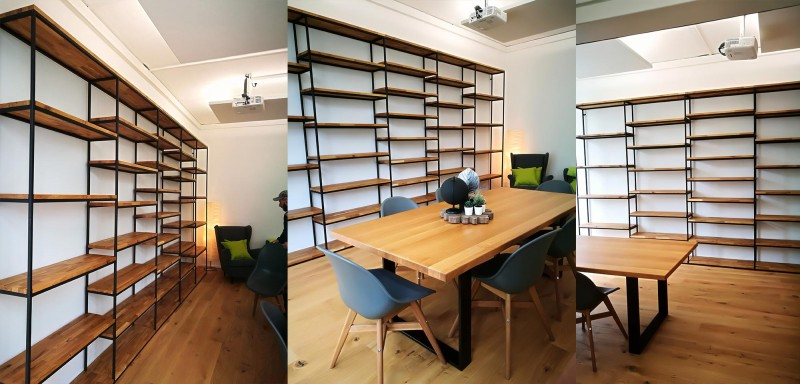 Bücherregal und Bibliotheksregal bzw. eine Bücherwand aus Massivholz und Metall